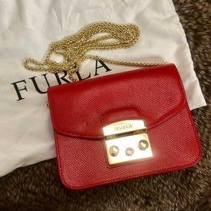 Like new FURLA red small crossbody bag